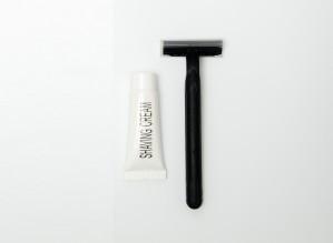 Shaving Kit in Eva Plastic - 1 Dorco Razor 1 Shaving Cream 10g