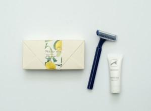 Naturals  - Shaving Kit in Envelop Shaped Cardboard